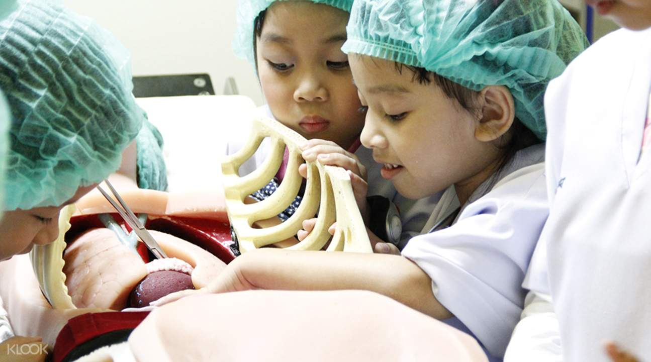 doctors kidzania bangkok